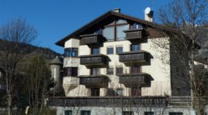 Grande appartamento con 4 camere e doppi servizi