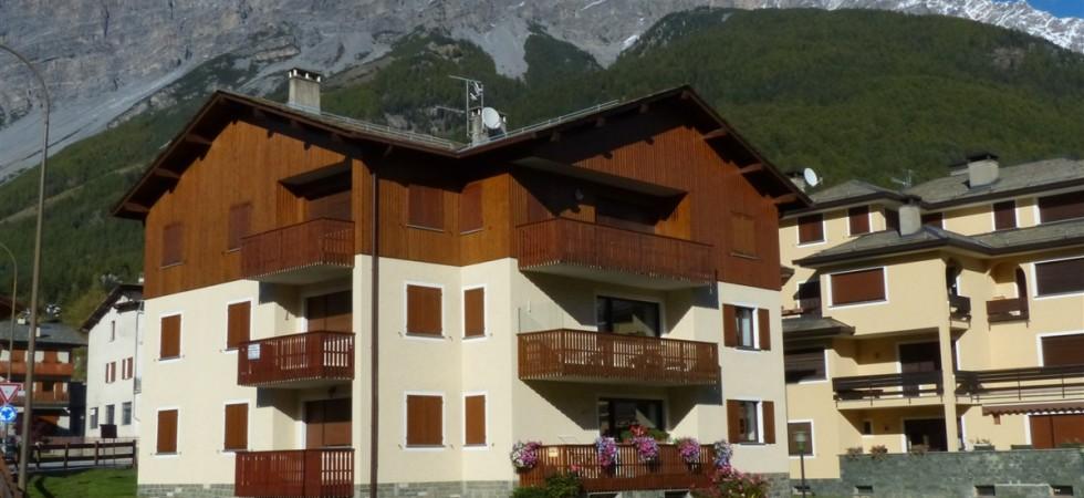 Appartamento in affitto a Bormio, trilocale con tennis