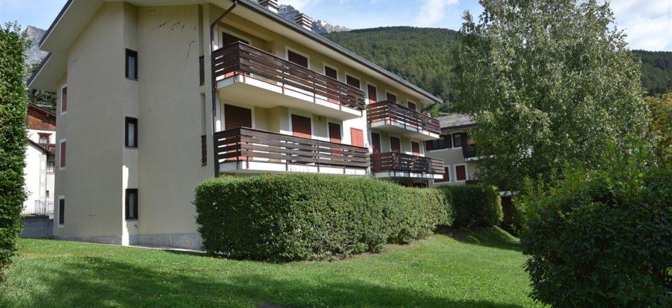 Appartamento a Bormio, zona piscina con giardino e doppi servizi